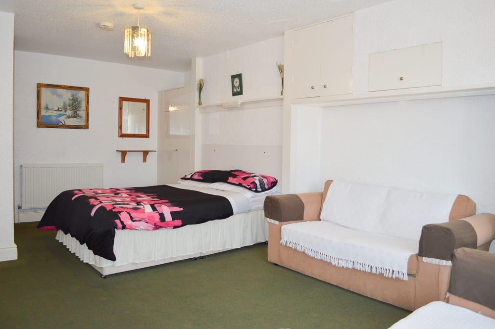 Flat 5 lounge 4