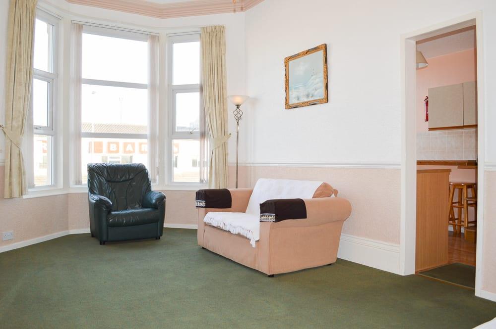 flat 2 lounge 4