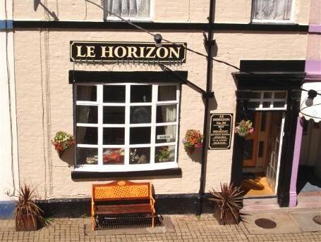 Le Horizon Hotel